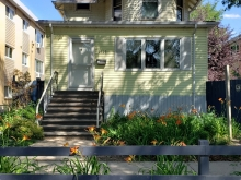 2127 Rae St - incentive available!